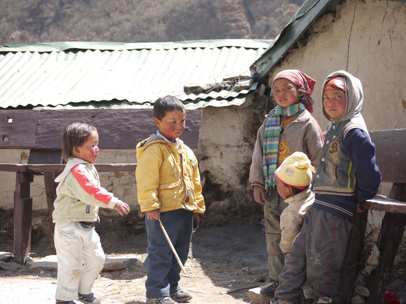 Local kids playing in Khumjung
