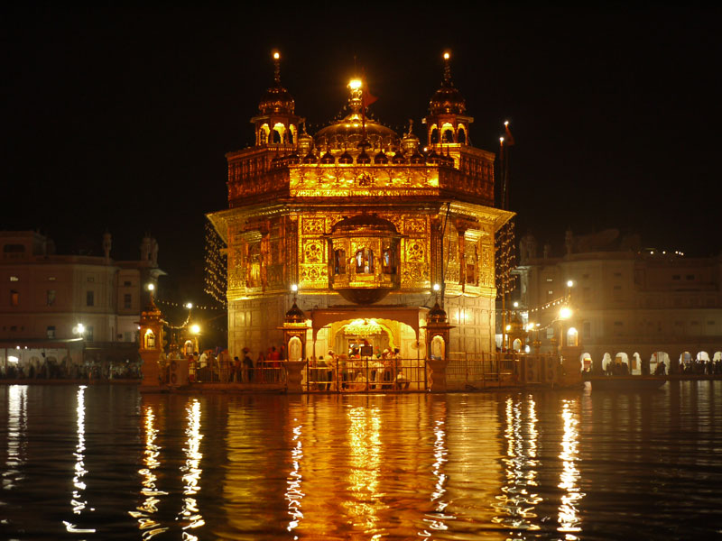 The Golden Temple at night
