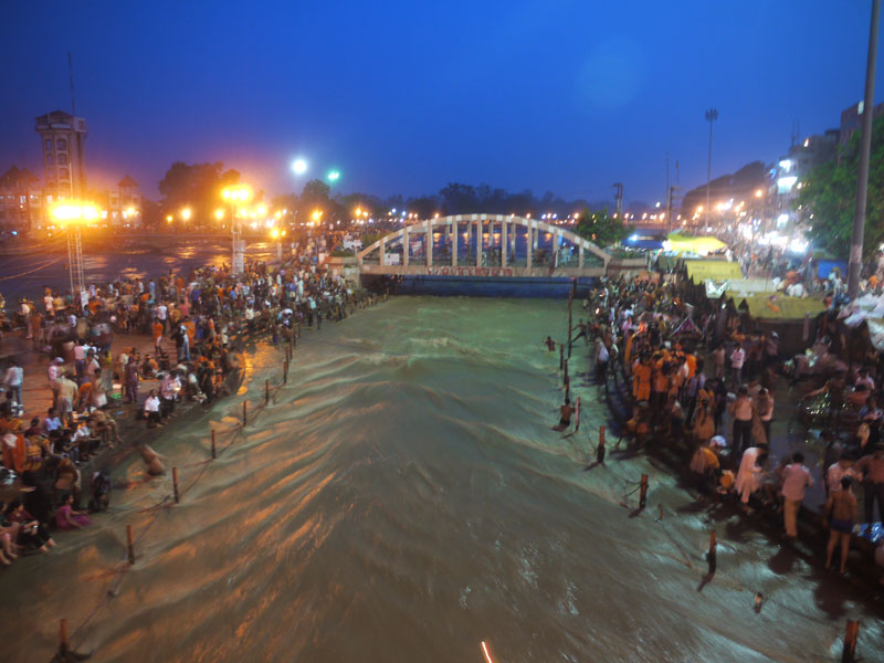 Worshipers at the Ganges, Haridwar