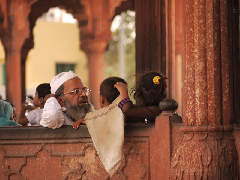 Old and young at the Jamma Masjid mosque
