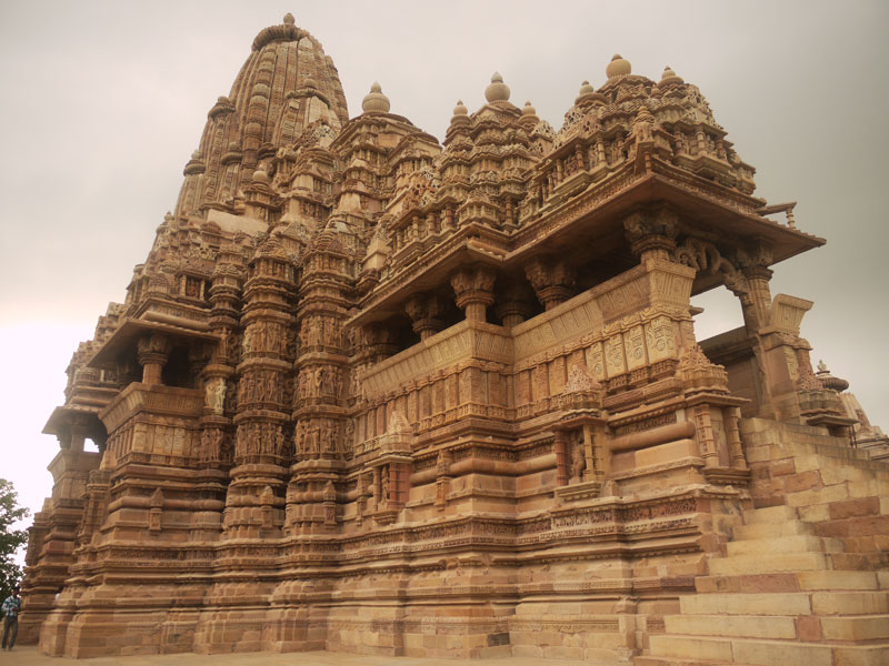 Khajuraho and Orchha; Mughal Palaces, Erotic Temples and a 5 Leg Cow