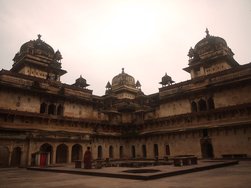 Inside the Jehangir Mahal palace, Orchha