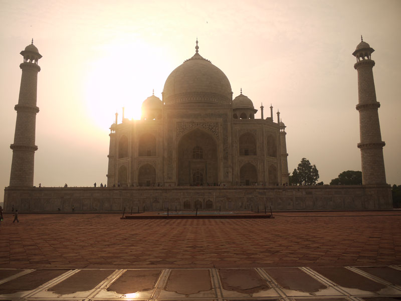 Sunrise over the Taj Mahal