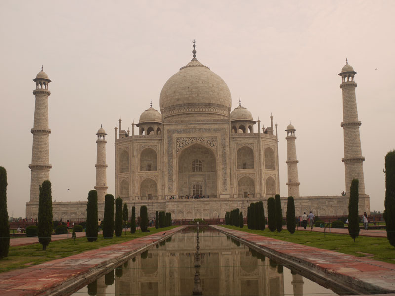 The classic Taj Mahal photo