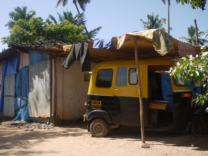 Backpacker's Guide to Goa - Tuk-tuk pulled into the 'garage', Goa-style!