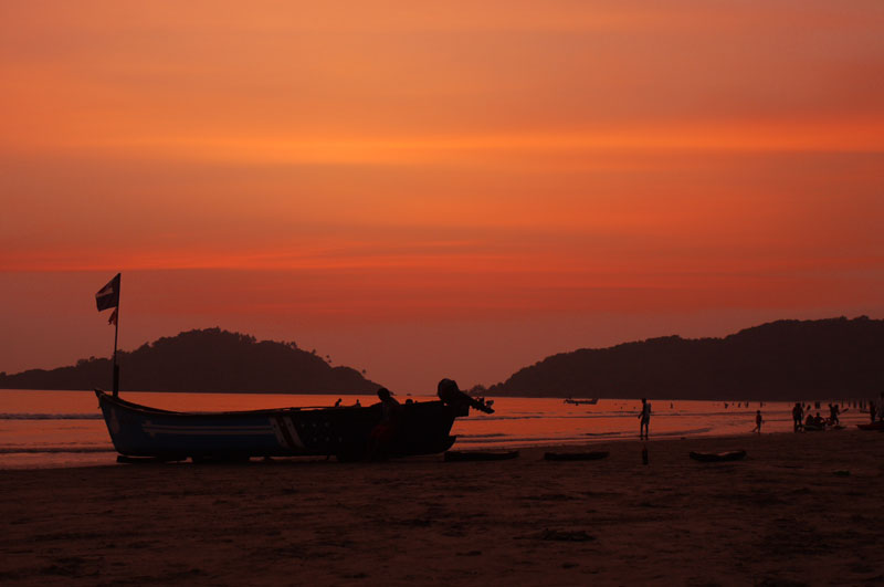 Red Sky At Night is a Beach Lover'sDelight, Palolem Beach, Goa