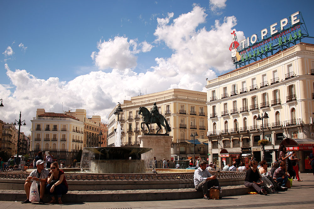5 days in madrid wandering on travel blog for Gran via puerta del sol madrid
