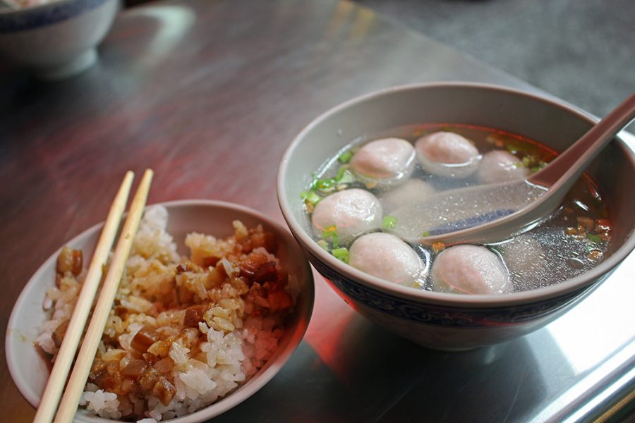 Taiwanese food: Fishball soup