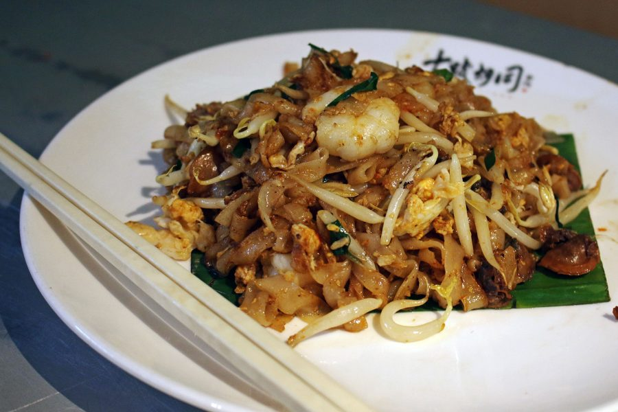Sampling Char Kway Teow on Bukit Bintang