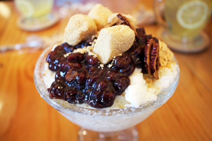 Patbingsu with deok