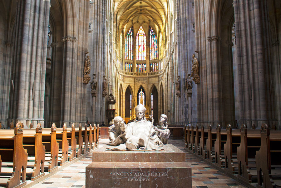 St Vitus Cathedral Prague, best free things to do in Prague, getting to Prague, Prague on a budget