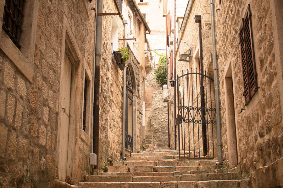 Interesting laneways and alleyways everywhere | things to do in Kotor